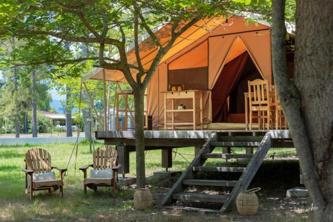 Öko-Lodge: Zelt und Holz